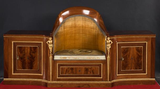 Mueble de aseo o retrete de Fernando VII - ©Museo Nacional del Prado