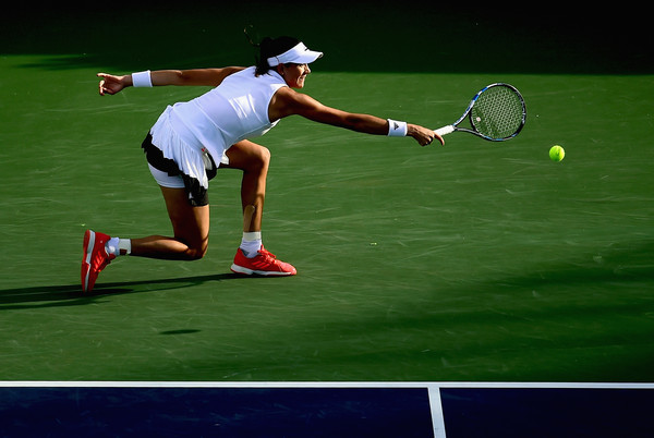 Muguruza will need to serve well and remain consistent in order to beat Pliskova (Photo by Harry How / Getty Images)