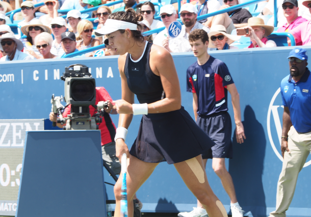 Garbine Muguruza pumps her fist on her way to victory in Cincinnati. Photo: Noel Alberto