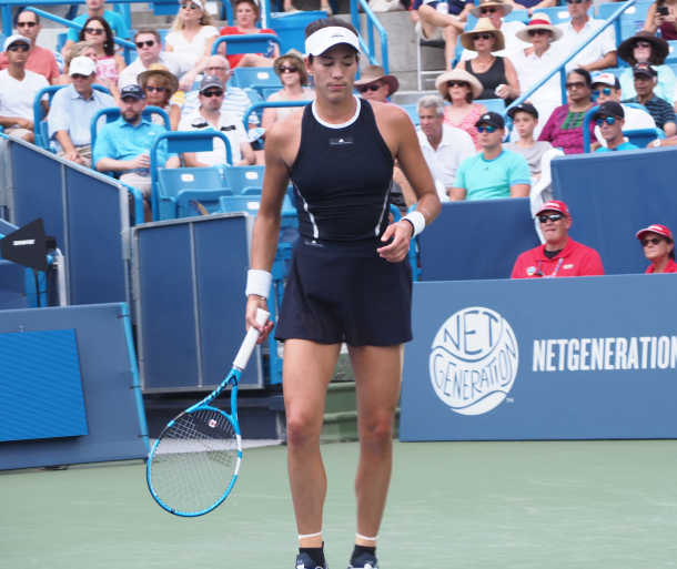 Muguruza looks on during the final in Cincinnati. Photo: Noel Alberto