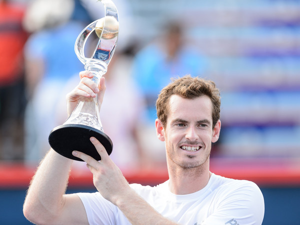 Andy Murray hoists the trophy following his most recent appearance at the Rogers Cup back in 2015. Photo: Minas Panagiotakis/Getty Images