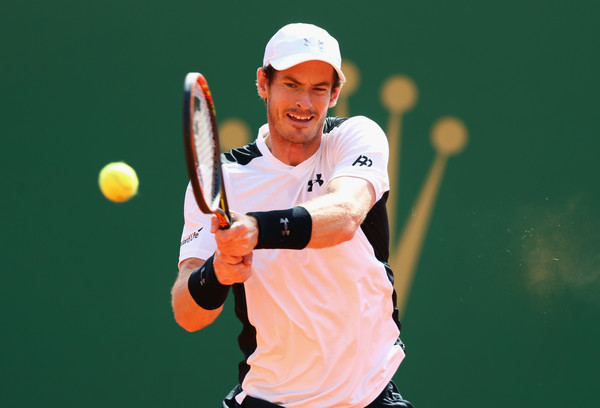 Murray hits a backhand during his quarterfinal win. Photo: Michael Steele/Getty Images
