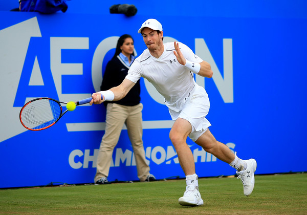 Murray lunges for a forehand on Saturday. Photo: Ben Hoskins/Getty Images