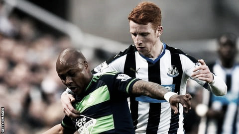 Andre Ayew fighting to keep possession of the ball against Newcastle United. Photo provided by Getty Images.