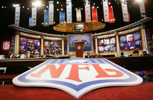 The New York Giants will lose placement in the fourth-round of the 2017 NFL Draft | Source: Chris Trotman - Getty Images
