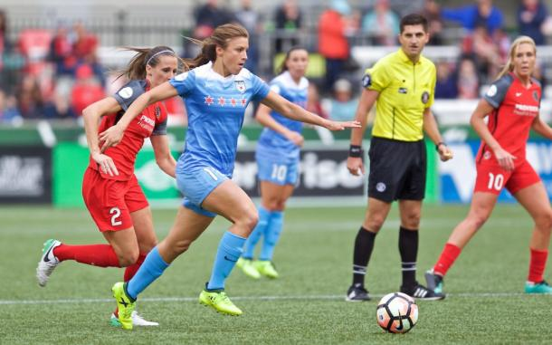 Sofia Huerta and Katherine Reynolds in a battle last season | Photo: Chicago Red Stars