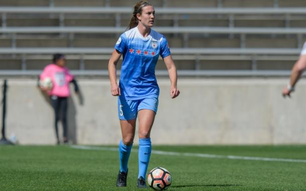 Katie Naughton heads to Houston where she projects to be a starting defender on the team. | Photo: isiphotos.com