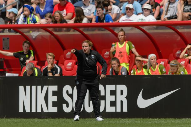 Laura Harvey is one of the best coaches in the NWSL | Source: Daniel Bartel