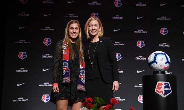 Amanda Duffy with Jordan Di Biasi at the 2019 NWSL College Draft | Source: nwslsoccer.com