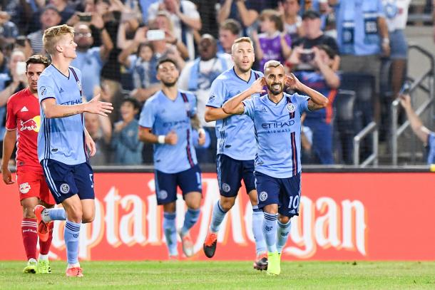 Moralez celebra un gol ante RBNY (prosoccerusa.com)