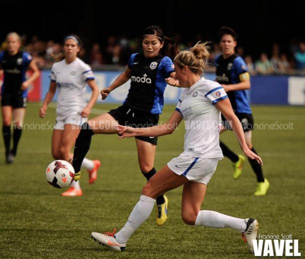 Naho (center) with the Seattle Reign in 2014 | Source: Francine Scott - VAVEL USA