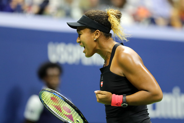 Naomi Osaka being fired up during the match | Photo: Elsa/Getty Images North America