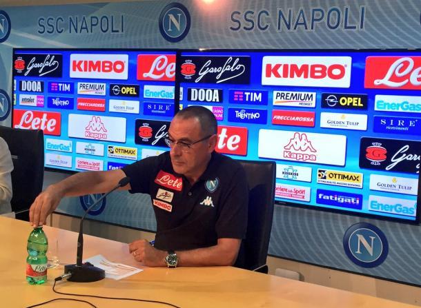 Maurizio Sarri in conferenza oggi, twitter @sscnapoli
