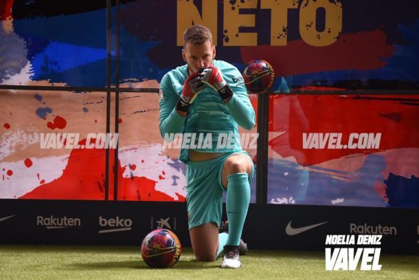 Neto, durante su presentación en el Camp Nou | Foto: Noelia Déniz - VAVEL