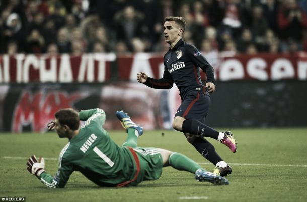Above; Antoine Griezmann slotting past Manuel Neur in Atletico Madrid's 2-1 defeat to Bayern Munich | Photo: Reuters