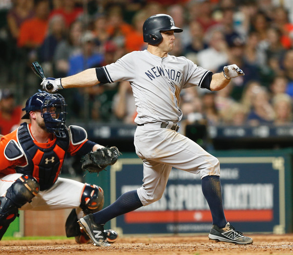 rett Gardner #11 of the New York Yankees singles in a run in the sixth inning against the Houston Astros. |June 29, 2017 - Source: Bob Levey/Getty Images North America|