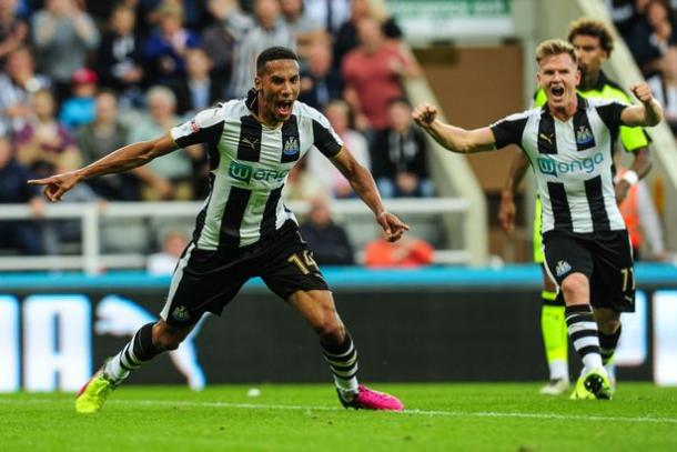 The ex-Arsenal man opens the scoring for the Magpies (Photo: mirror.co.uk)