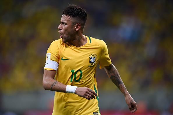 Com a ausência de Thiago Silva, Neymar virou o capitão da Seleção Brasileira de Dunga (Foto: