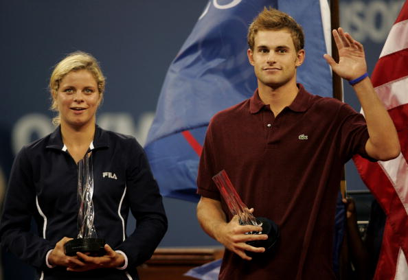Kim Clijsters and Andy Roddick receiving prizes for winning the US Open series in 2005 (Getty/Nick)