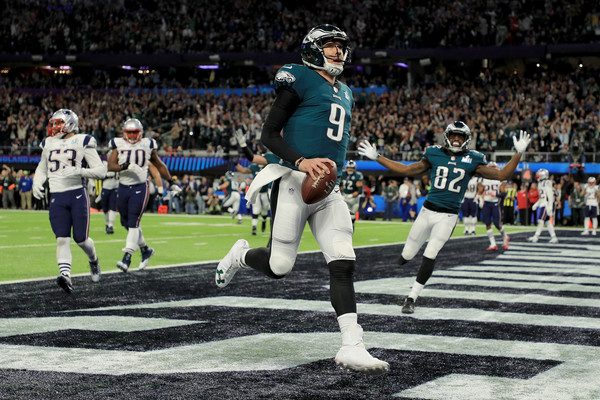 Foles celebrates his 1-yard TD reception, the first by a quarterback in Super Bowl history/Photo: Mike Ehrmann/Getty Images