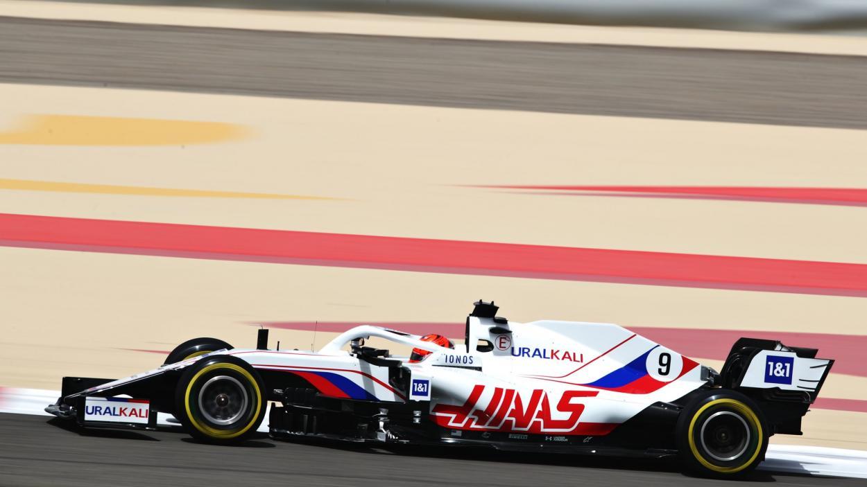 Nikita Mazepin conduciendo su Haas. FUENTE: F1