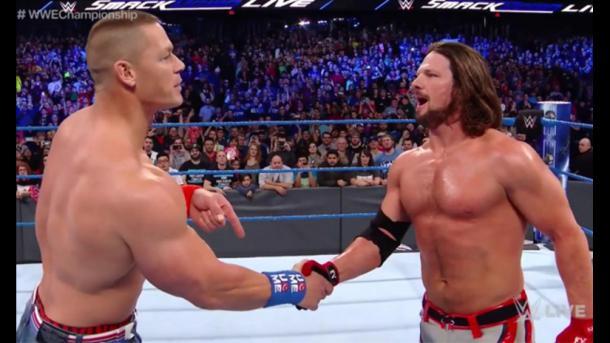 Cena le muestra respeto a Syles. | Foto: WWE
