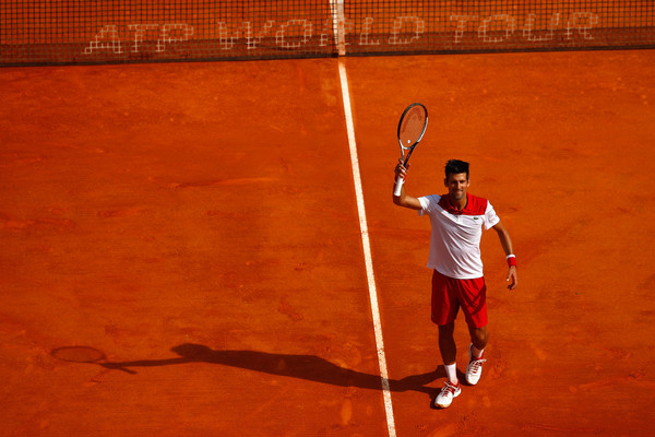 Novak Djokovic applauds the supportive crowd after his win | Photo: Julian Finney/Getty Images Europe