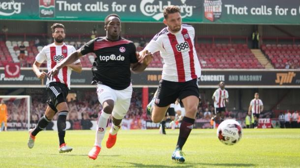 Osawe playing back in his home country against Brentford | Photo: ITV/1. FC Kaiserslautern