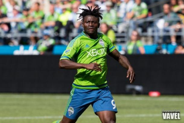 Obafemi Martins in a game with the Seattle Sounders during the 2015 MLS season / Brandon Farris - VAVEL USA