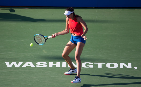Oceane Dodin in action during the match | Photo: Tasos Katopodis/Getty Images North America
