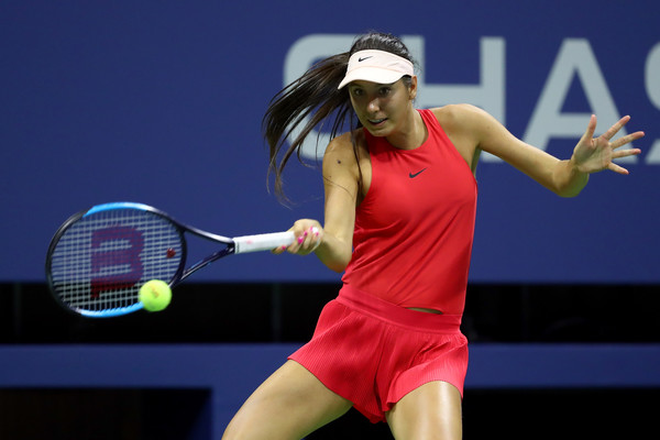 Oceane Dodin hits a forehand | Photo: Al Bello/Getty Images North America