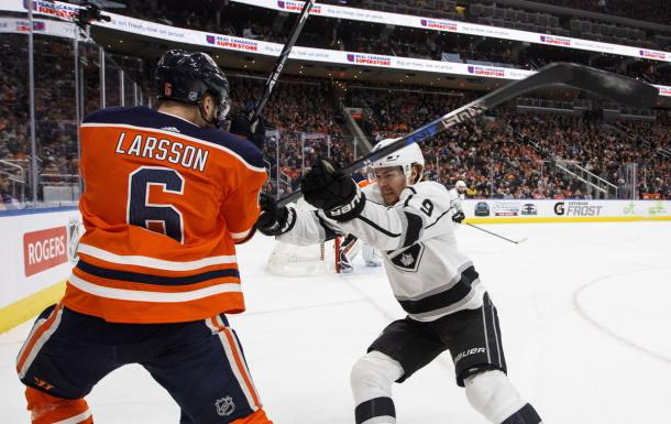 Things got physical when the L.A. Kings and Edmonton Oilers played. (Photo: Jason Franson Canadian Press via AP)