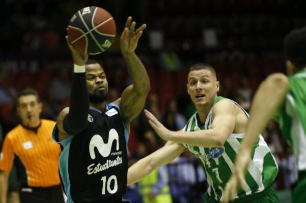 Último duelo entre Estudiantes y Betis disputado en San Pablo | ACB