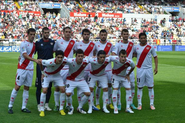 Equipo del Rayo Vallecano, único equipo español al que se enfrentó el Alavés en la UEFA 2001. Fuente: vavel.com