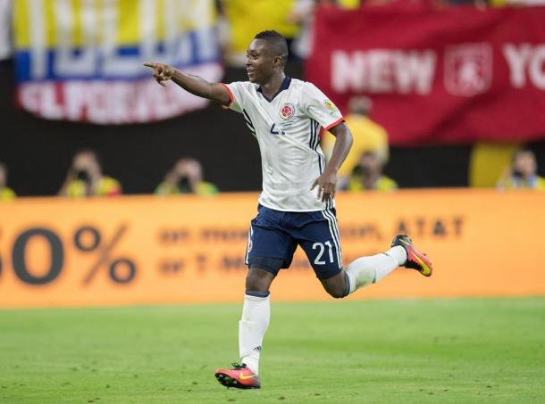 Marlos Moreno aprovechó el partido ante Costa Rica y anotó su primer gol con la Selección Colombia. | Foto: Crónica Costa Rica