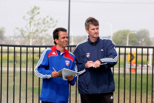 Oscar Pareja y Chris Hayden en las reservas del FC Dallas. FOTO: elcolombiano.com