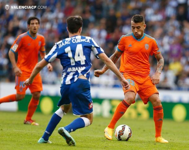 Grandes jugadores, como Otamendi, vivieron en sus carnes la rivalidad entre deportivistas y ches. Fuente: Valencia CF.