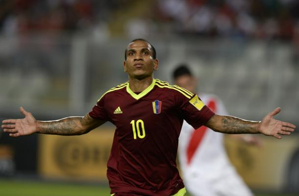 Rómulo Otero celebrating his goal against Peru on Fridays 2-2 draw in Lima. Photo provided by AFP.