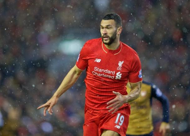 Steven Caulker con la camiseta del Liverpool. Foto: This is Anfield