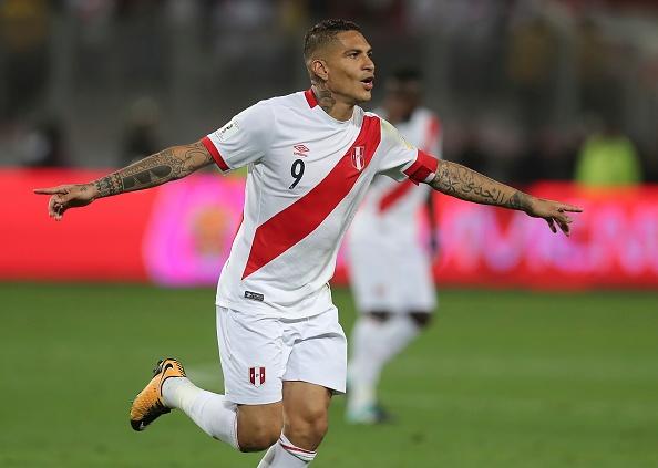 Guerrero fez o gol salvador para a Seleção Peruana (Foto: Daniel Apuy/LatinContent WO)