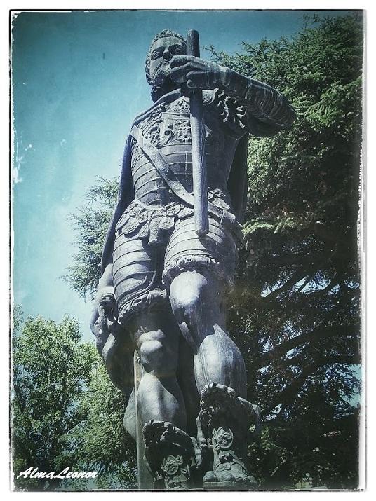 Estatua monumental de Felipe II en Valladolid. Imagen: AlmaLeonor