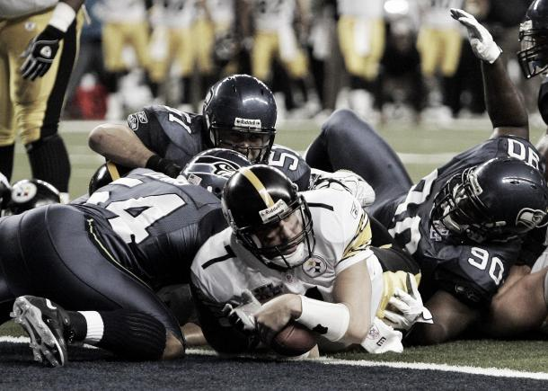 Ben Roethlisberger anota un TD de carrera Foto: Seattle Seahawks