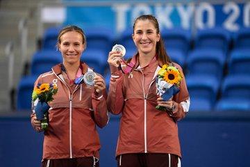 Golubic y Bencic con la medalla de plata. (Fuente: WTA)