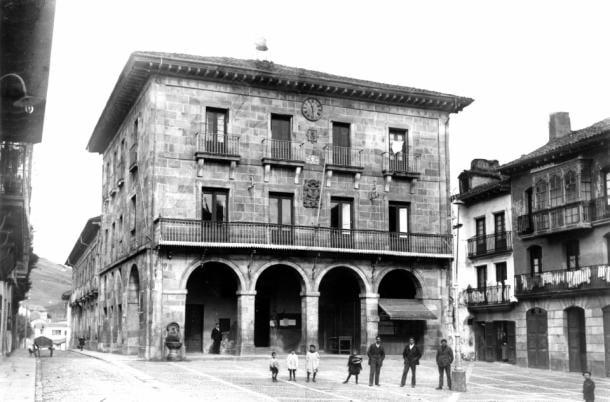 Plaza de los fueros en Gernika, País Vasco, antes del bombardeo | Museo de la Paz de Gernika