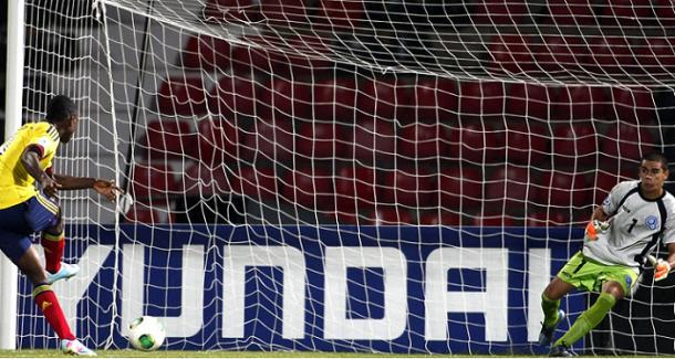 Jherson Córdoba amplió el marcador al minuto 25 de penal I Foto: FIFA