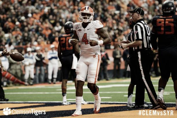 Un quarterback de récords en el Football College | Foto: Clemson Tigers