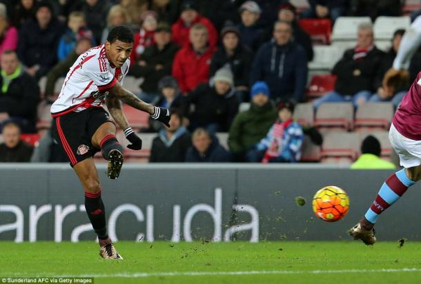 Van Aanholt grabs the crucial first goal. (Image credit: Daily Mail)