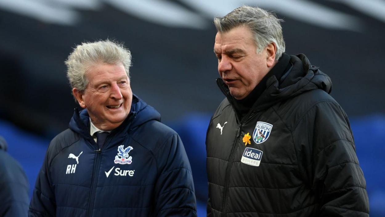 Hodgson y Allardyce charlando alegremente ante del encuentro. | Fuente: Premier League