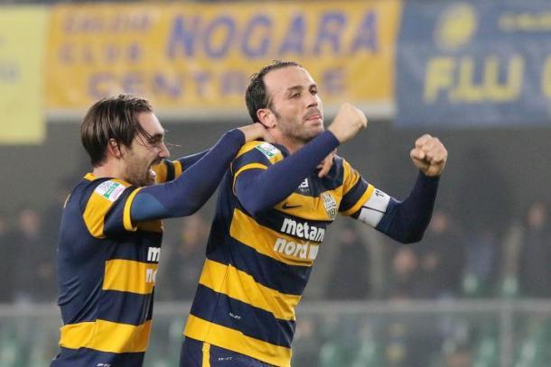 Pazzini celebrando un gol / Lega B