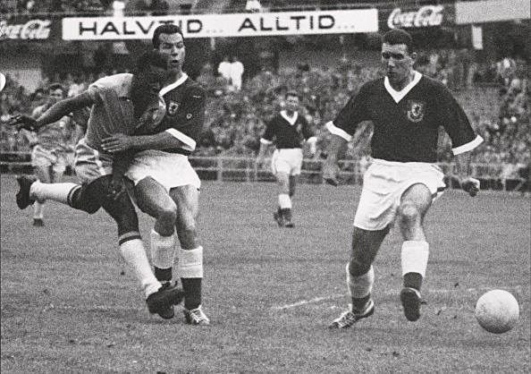 Pele scores against Wales in 1958 | Photo: AFP